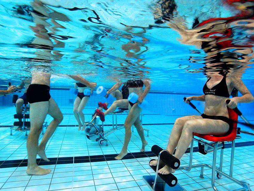 Freie Kursplätze: Aquaback® – Das Fitnesstudio im Wasser!