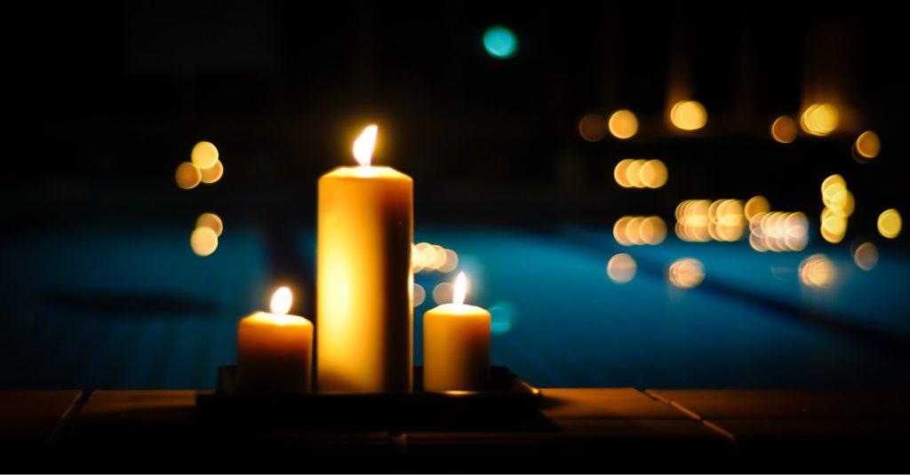 Licht aus, Kerzen an